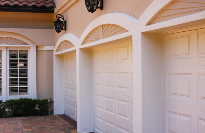 Pasadena-Woodlands TX Professional Painting Contractors-We offer Residential & Commercial Painting, Interior Painting, Exterior Painting, Primer Painting, Industrial Painting, Professional Painters, Institutional Painters, and more.